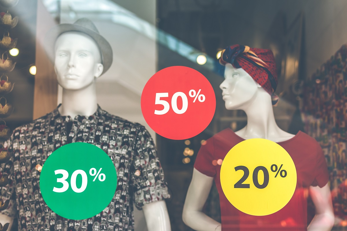 b99635c015c7 Pues resulta que la industria de la moda se alimenta de esas compras  impulsivas, necesita que compres más ropa de la que necesitas y más  frecuentemente para ...