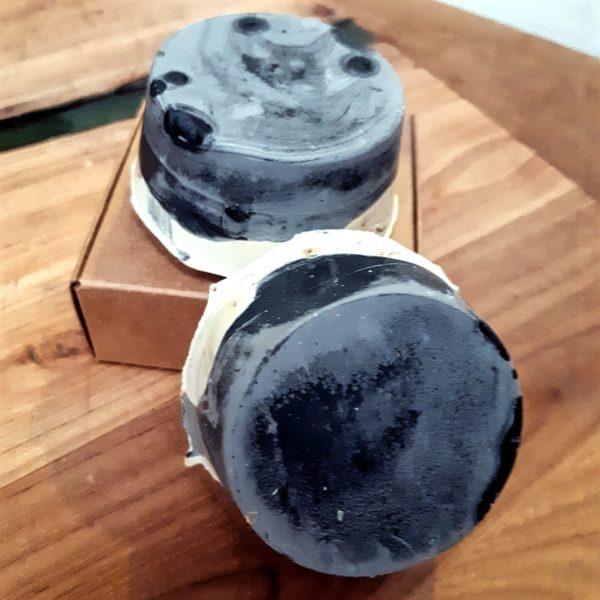 barras exfoliantes de carbón y chocolate